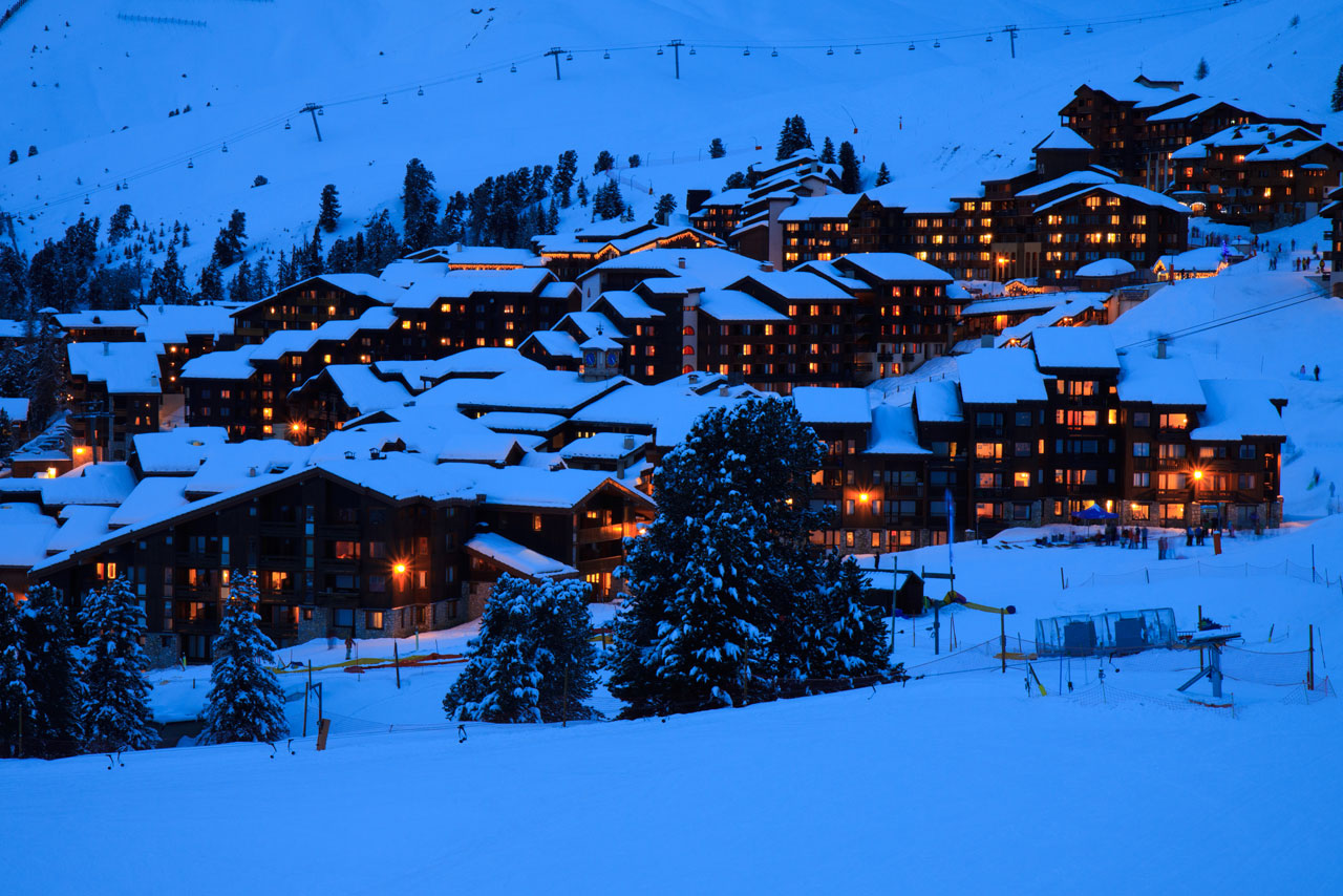 ski-resort-night